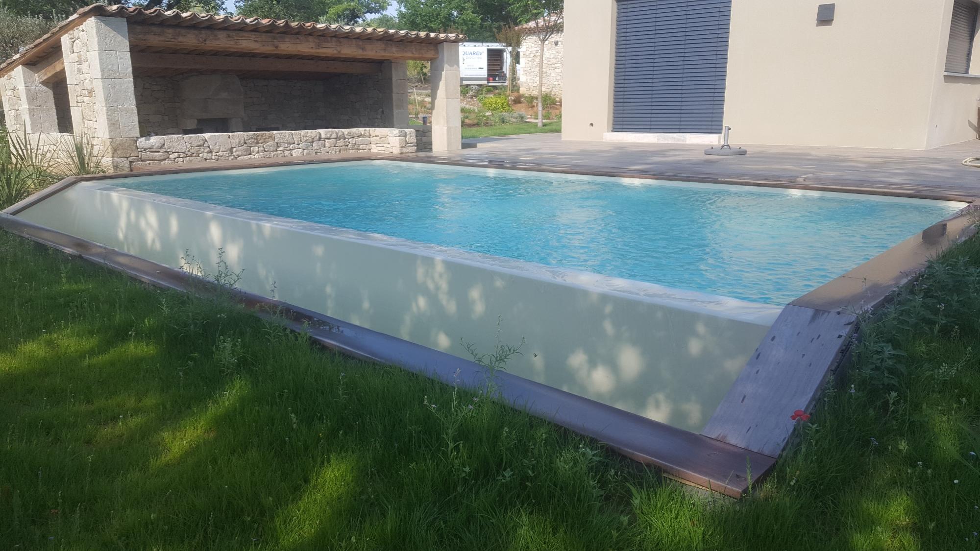robot piscine a debordement