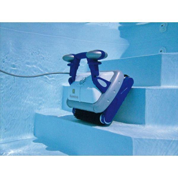 robot piscine escalier