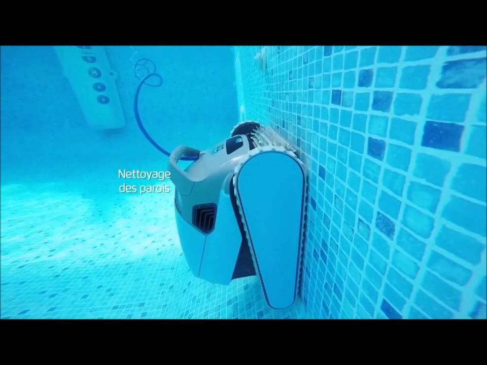 robot piscine fond et paroi
