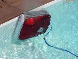 robot piscine ligne d'eau