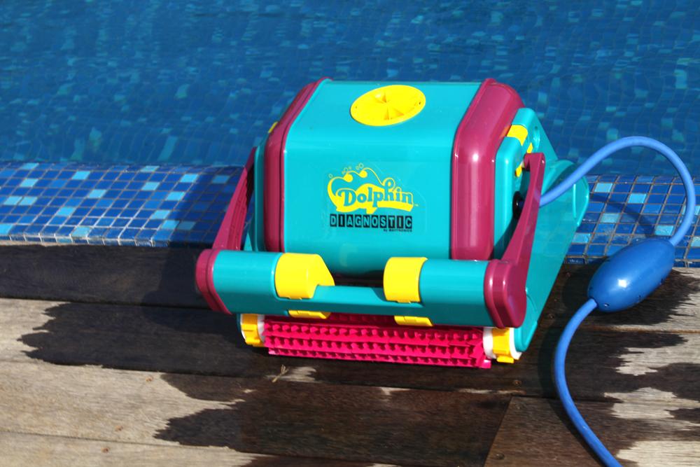 robot piscine qui monte les marches